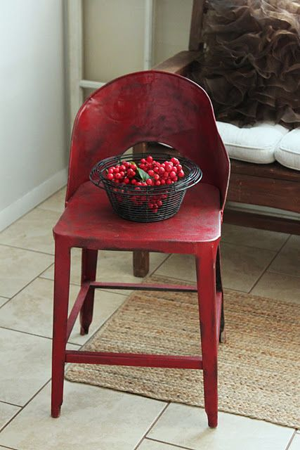 Love this RED chair!: