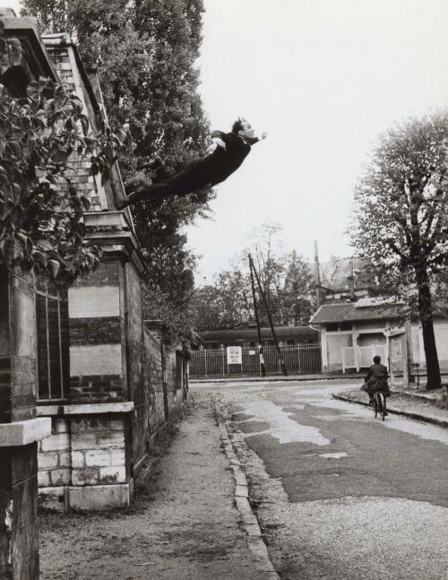 bleached-reflections:  Yves Klein Leap Into the Void. 1960