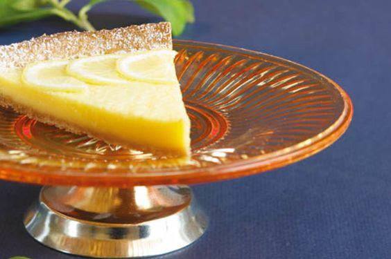 Ob als erfrischend-säuerlicher Abschluss eines feinen Menüs oder als Zvieri: Bei dieser Zitronentarte kommen alle ins Schwärmen.