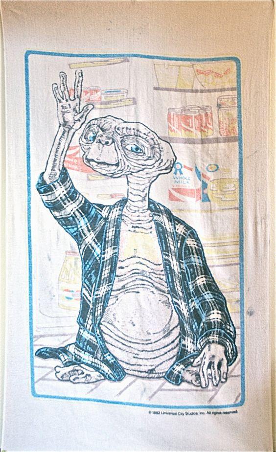 Vintage 90's Grunge ET Universal Studios by FeelingVagueVintage