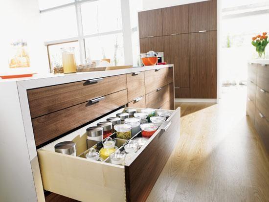 gaveta de cozinha com tudo organizado
