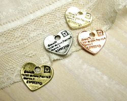 Heartfulmessage2個[cha-p-740]【アクセサリーチャーム・ピューターチャーム・ビーズパーツ】