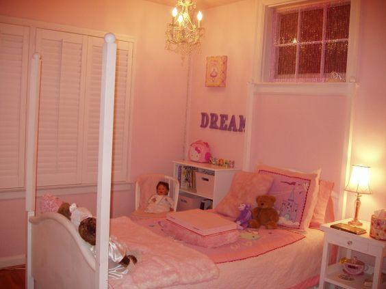antes o quarto da menina de 5 anos Daughters Bedroom