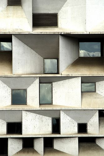 Auditorium in Leon, Spain by Mansilla + Tunon Architects