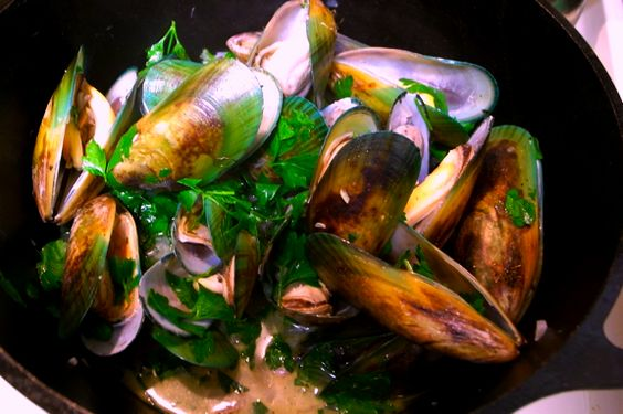 Steamed Mussels with Lemon Glass, Garlic and Coconut Milk