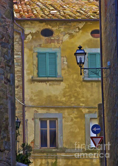 Weathered Home of Tuscany Print