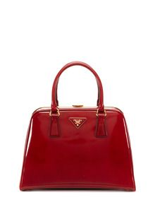 OMG this Prada patent leather red bag is to die for....I wish this was in my budget because this is the most perfect red bag.