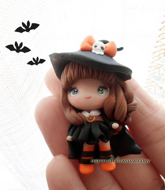 1 Little Witch chibi necklace made in italy par AlchemianShop
