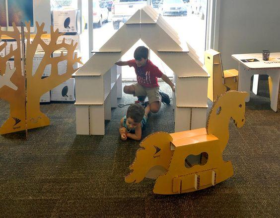 Zona infantil para Tiendas Sprint. Florida. Zona de juegos personalizada, con…