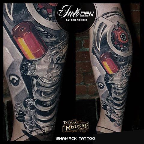Biomechanical Leg Piece Tatuajes Biomecanicos Tatuajes Pistones Biomecanica