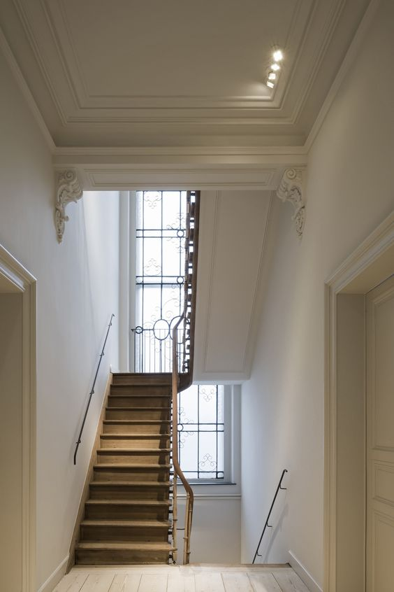 Staircase in a historical Gent residence by Hans Verstuyft Architecten