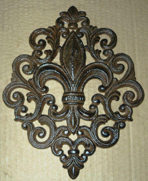 cast iron fleur de lis wall plaque art deco french country new orleans 82 657 fleur de lis. Black Bedroom Furniture Sets. Home Design Ideas