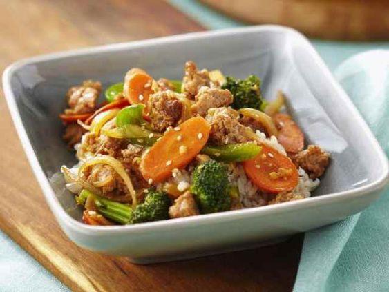 Poulet hache sauté est rempli de légumes, d'éléments nutritifs et de goût!  | Le Poulet du Québec