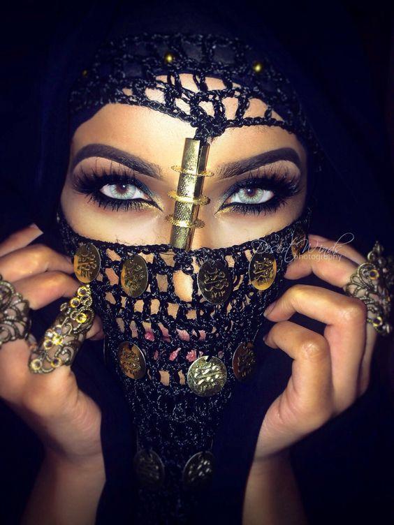 Dramatic Arab inspired eye makeup
