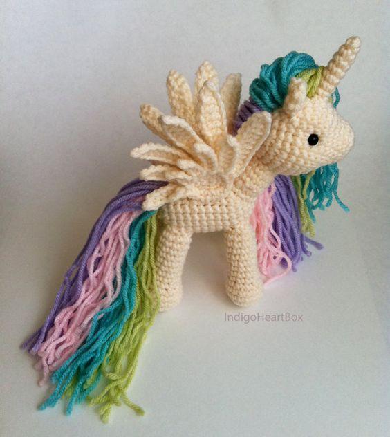 Crochet Amigurumi Pony Pegaso, Alas y Unicornio del arco?ris
