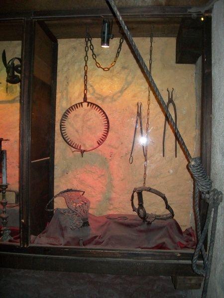 Instrumentos  de tortura reales Bd85cdc4a435be95e67a1ff4b7b20591