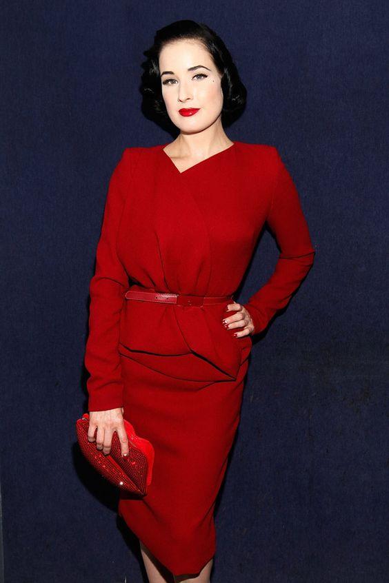 Einen wahren Burlesque-Trend losgetreten hat Dita von Teese - ihr Look inspiriert und macht sie daher zur Stil-Ikone!