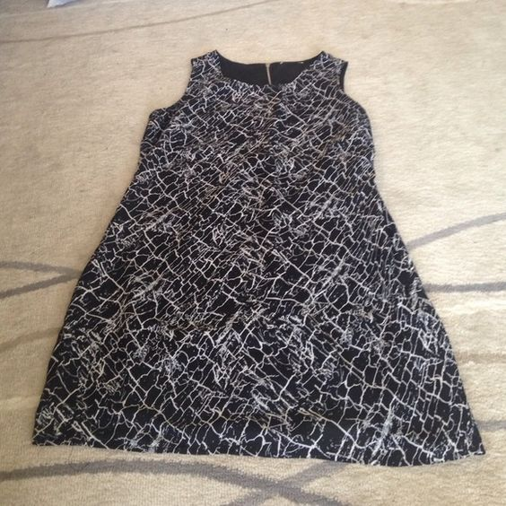 Black and white marble patterned dress Black and white marble patterned dress. Size 2 or 3. Dresses