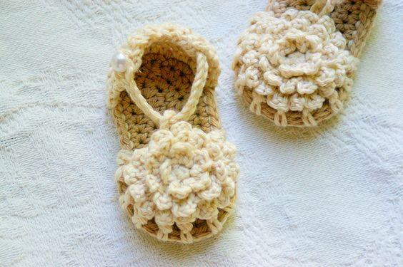crochet baby sandals: