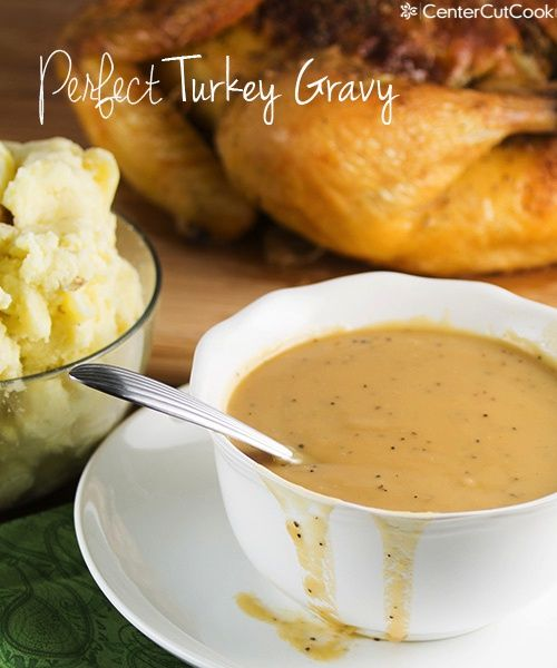 Perfect Turkey Gravy that can be made with or without drippings! #thanksgiving #gravy #turkey