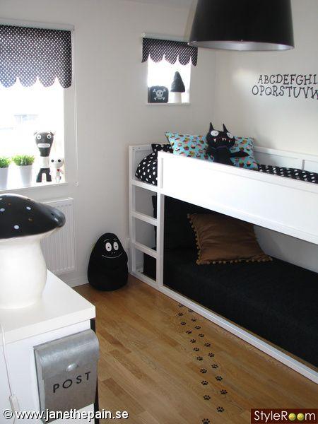 Habitación para niños de IKEA blanco y negro con Barbapapás, muy ...