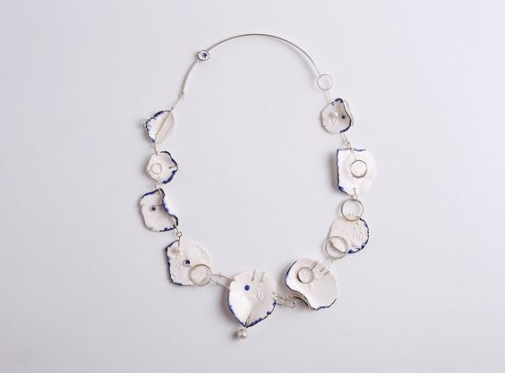 Tal Efraim Necklace: Porcelain Neckline, 2016 Silver, porcelain, pearls 20 x 18 x 1 cm Photo by: Ilan Besor From series: Connectionary: