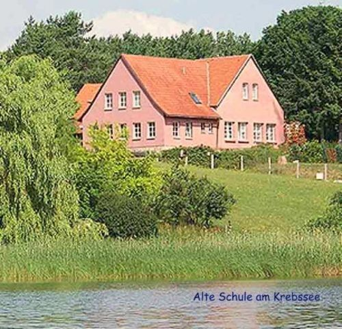 Alte Inselschule Ferienwohnung Linde Ostsee Usedom Zaun Wlan Ferienwohnung Linde In Bansin Ot Neu Sallenthin Meckl Ostsee Usedom Usedom Ostsee Urlaub