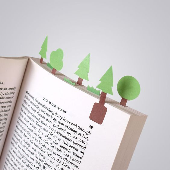 Tiny-paper-bookmarks-make-miniature-worlds-of-lovely-nee1__880