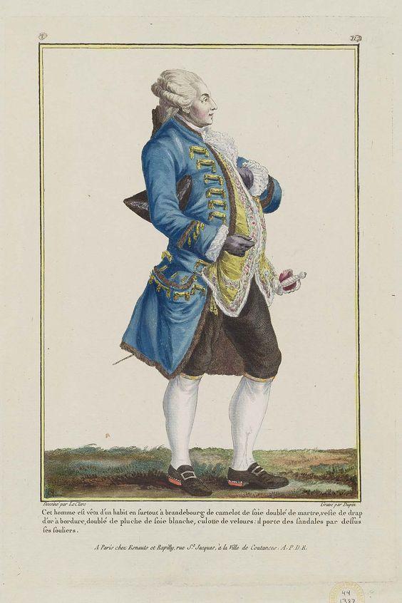 Cet homme est vêtu d'un habit en surtout à brandenbourg de camelot de soie doublé de martre, veste de drap d'or à bordure, doublé de pluche de soie blanche, culotte de velours: il porte des sandales par dessus ses souliers.