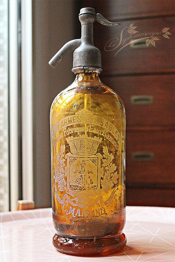 Ancien siphon brun jaune de la maison c mairand aux for Ancien pressoir de la maison jaune