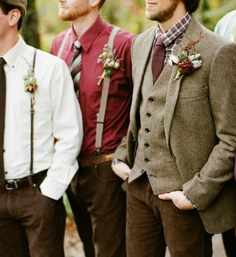 Tweed, red shirts with suspenders and shades of brown for the groom and groomsmen.