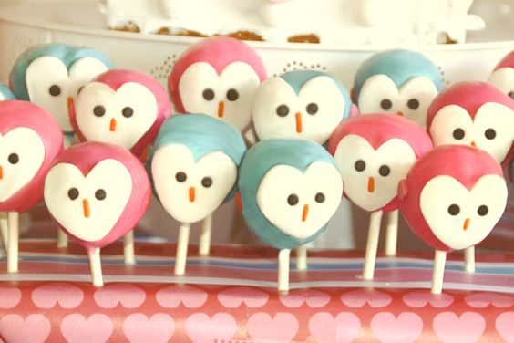 #Owl cake pops with #heart faces, how #sweet!
