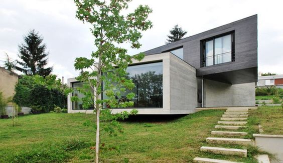 maison contemporaine en bton en 3 volumes vitrs en france une maison exclusive par skp architecture construiretendance - Maison Moderne Beton