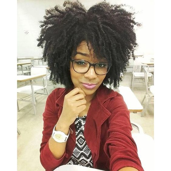 By : @sarah_ooliveira #Hair2mesmerize #naturalhair #healthyhair  #naturalhairstyles #blackhairstyles #transitioning #twistout