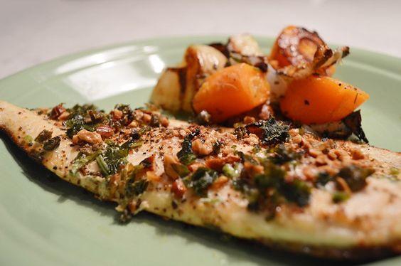 Vamos começar o post com uma polêmicazinha alimentar? Você sabia que a truta pertence à mesma família do salmão? Aliás, vamos voltar mais atrás um pouco… você sabia que a maioria do salmão qu…