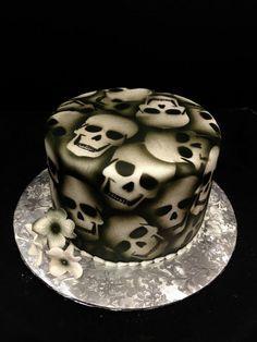 Airbrushed Skull Cake