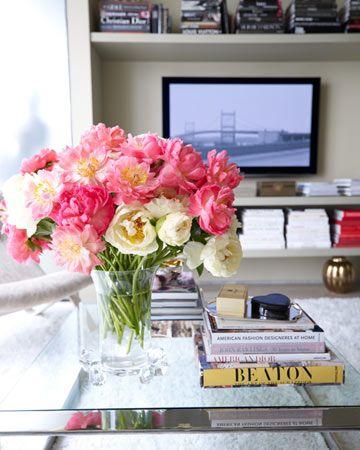 floral arrangement in Kevin Sharkey's apartment