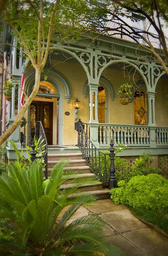 The Dresser Palmer House in Savannah made Huffington Post's 'Most Romantic Hotels of the South' list!