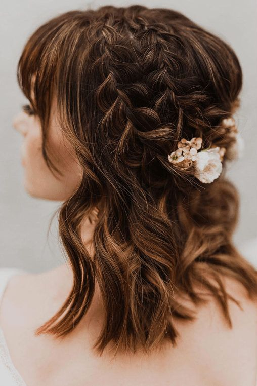 The Prettiest Wedding Hairstyles With Flowers Green Wedding Shoes In 2020 Short Hair Updo Short Hair Styles Short Hair Styles Easy
