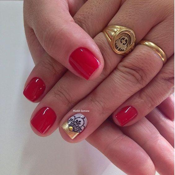 Nails #linda #delicada #filha #única #rendinha #madahsantana #manicure #nailartes #naoéadesivo #tudofeitoamaolivre ❤️💅🏽😍🔝🔝👌🏼👏🏼👏🏼👏🏼👏🏼