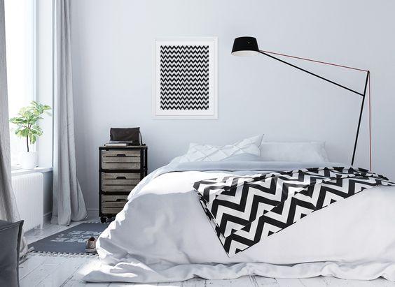 Para os apaixonados pela estampa chevron! Crie seu quadro https://www.onthewall.com.br/textura-triangulos-preto-e-branco #quadro #moldura #canvas #decoração #chevron