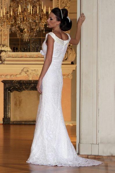 ... Brautkleid aus Seide und Spitze - Mônica Santana Haute Couture - Made