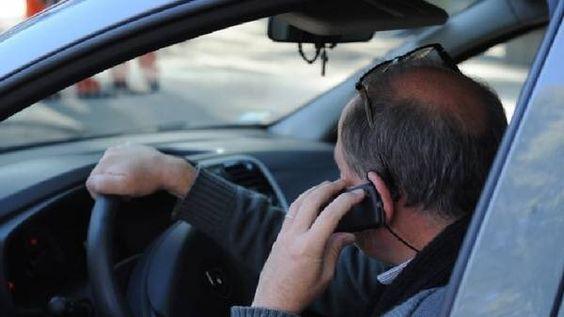 RT @gmarinsa: Por favor no use su celular mientras conduce es similar que circular varios metros a ciegas. #pazenlascarreteras https://t.co/0ep4sm7B3B