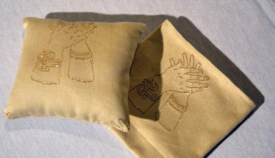 Gli Ori di Taranto, la famosa collezione di gioielli d'epoca magno-greca, acquistano nuova vita grazie a Matilde Ricciardulli e alla sua collezione di tessuti, tende e corredi d'Alta Qualità Scopri di più: http://www.madeintaranto.org/gli-ori-taranto-rivivono-nei-corredi-nei-tessuti-matilde/  #Mediterraneotour #Mediterraneo #Taranto #Puglia #Weareinpuglia #turismo #cittàdavivere #citywiew #Italy #Madeinitaly #Visitpuglia #Mediterranean…