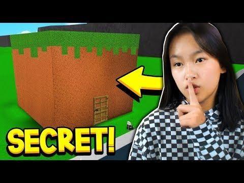 Finding My Sister S Secret Minecraft House In Bloxburg Roblox
