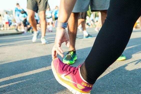 10 exercícios de alongamento pré e pós-treino
