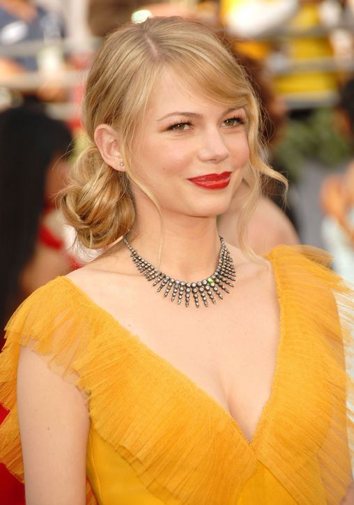 Prime Michelle Williams Oscar Hairstyles And Side Buns On Pinterest Short Hairstyles Gunalazisus