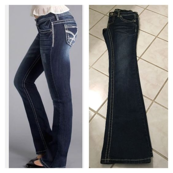 """CLEARENCEAmethyst Bootcut  Jeans Size 0 jeans, like new washed dark denim with fade. 94% Cotton 4% polyester 2% Spandex inseam 32"""" Amethyst Jeans Boot Cut"""