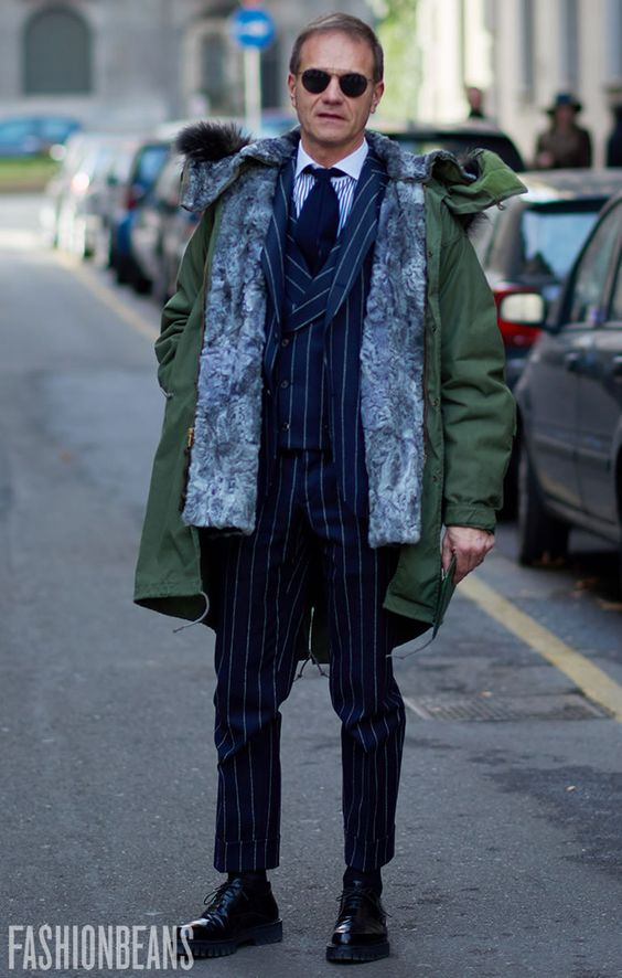 ④スーツ×ミリタリーコート×ラバーソール