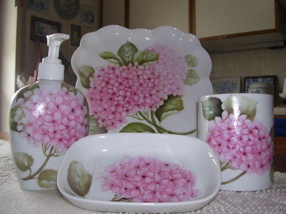 set da bagno con ortensie rosa - dipinto a mano - Nanda